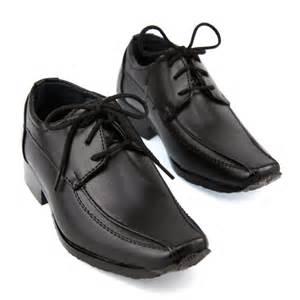 chaussure enfant mariage chaussure derby enfant gar 231 on pour c 233 r 233 monie mariage c2111 noir chaussures gar 231 on cadoshop