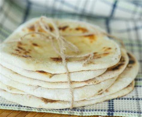 cucinare senza lievito pane senza lievito la ricetta per preparare il pane senza