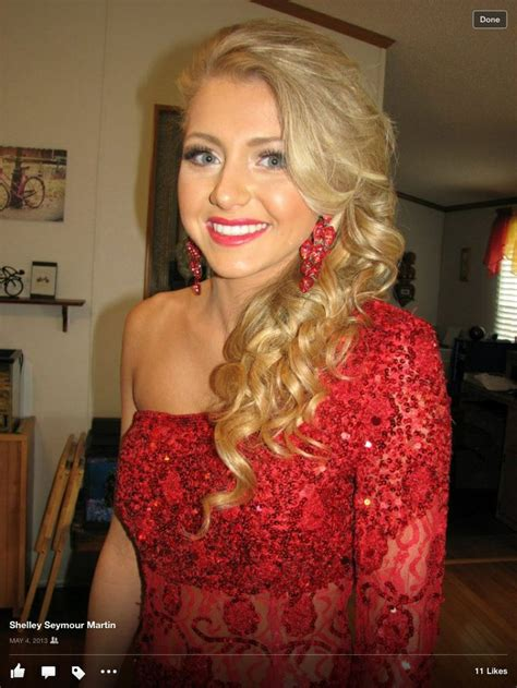 homecoming hairstyles makeup 21 best images about prom hair on pinterest curls my