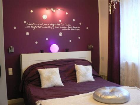 wall decor for purple bedroom awesome purple wall decor for bedrooms room decorating