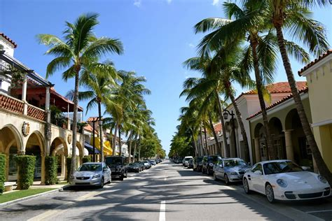 worth avenue palm beach s worth avenue celebrates 100 years of fashion