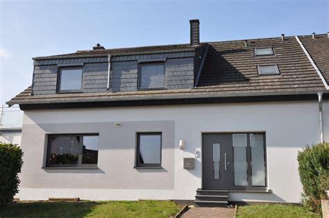 Graue Fenster Welche Fassade by Moderne Fenster Zoellner Fensterbau Kg Der Spezialist