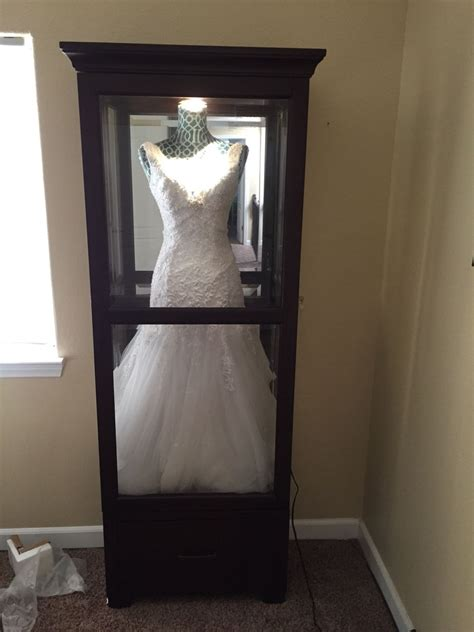 hochzeitskleid box quot shadow box quot for wedding dress get a china cabinet and