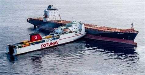boat crash corsica france takes control of the spill of fuel in front of