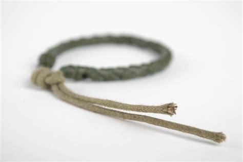 pulseras originales de cuero madeheart gt pulsera de cuero artesanal verde estrecha