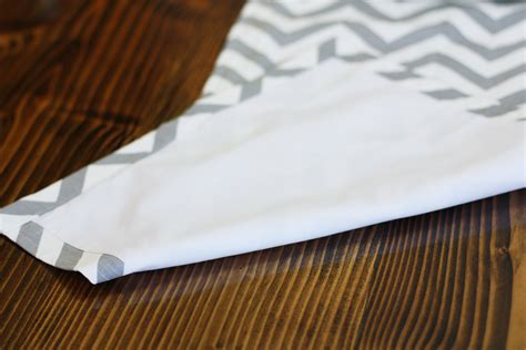 how to make a table runner how to make a table runner easy brokeasshome com