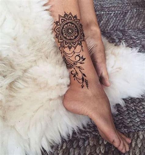 tattoo mandala jambe immagine tatuaggio mandala sulla caviglia lei trendy