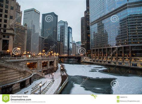 fotos chicago invierno el r 237 o chicago en la navidad foto de archivo imagen