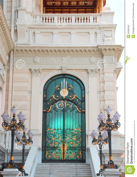 doors of the royal palace door to the royal palace stock photography image 23325342