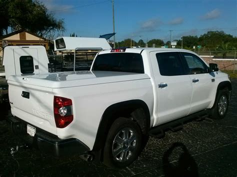 Tundra Bed Cover by 2014 Toyota Tundra Crew Max 5 5ft Are Ls2 Tonneau Cover