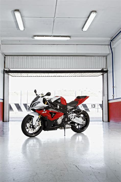 Motorrad Cing Equipment by 2012 Bmw S1000rr Tweaks Come To The Liter Bike King