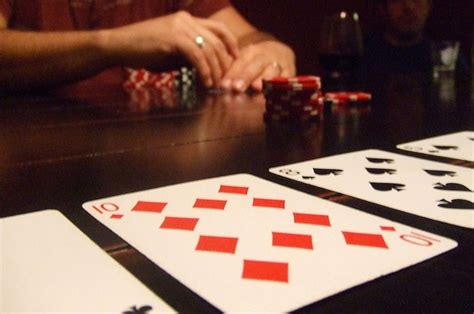 Bad Poker Players Giveaway - 10 simple poker tells for home games pokernews