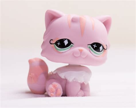 ebay lps cats and dogs littlest pet shop lps pink cat with green 460 ebay