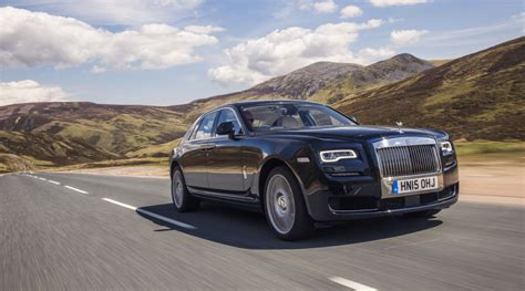 luxury rolls royce rolls royce ghost named best super luxury car just british