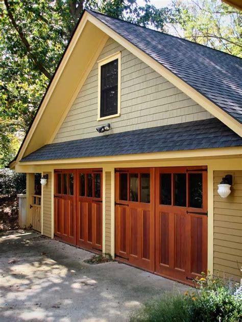 garage    shingle style house  north
