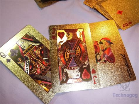 Specs Gift Card - review of luxury 24k gold foil poker playing cards technogog
