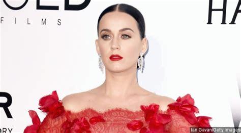 Kaos Katy Perry Roar asyik katy perry siapkan album dan tur konser baru
