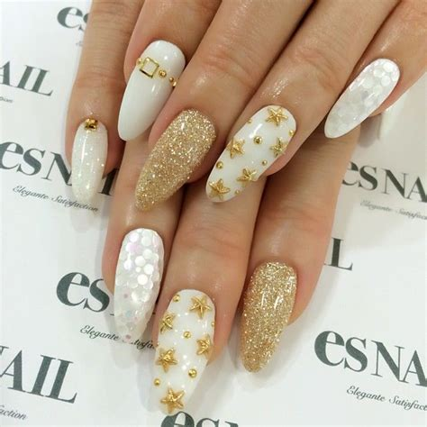 Nägel Mit Gold by Stiletto Gold Glitter Nails Pictures Photos And Images