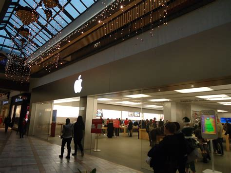 apple store rideau centre ottawa image