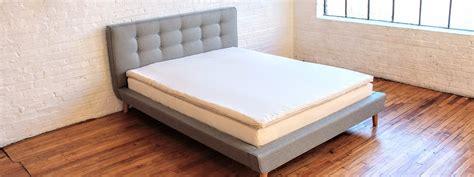 organic bedding mattresses pillows furnishings white