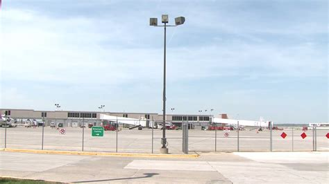 new data shows flights from des moines cheaper than omaha whotv