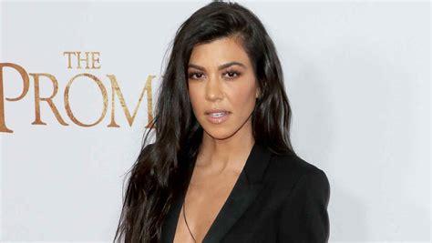 imagenes video kim kourtney kardashian disfrutando de las kourtney kardashian se desnuda y sus hermanas mueren de