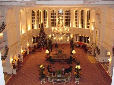 Inside Burj Al Arab by Top Hotel Deals Disneyland Hotels 2010