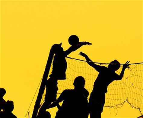 pengertian peraturan teknik dasar sejarah dan ukuran lapang permainan bola volly bacangan