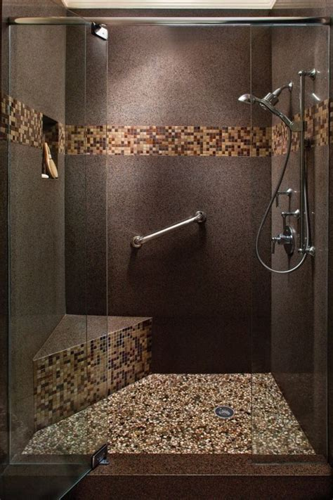 Impressionnant Jolie Salle De Bain Moderne #2: salle-de-bain-marron-fonc%C3%A9-carreaux-mosaique-mosaique-salle-de-bain-marron-fonc%C3%A9.jpg