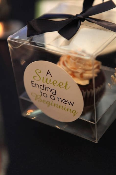 Eedible Wedding Favors by Edible Couture The New Must Wedding Favors