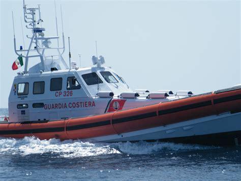 capitaneria di porto catania esami motopesca in avaria equipaggio salvato