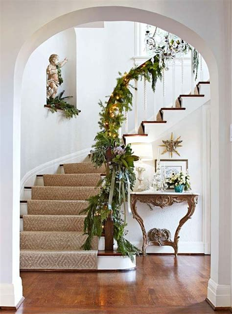Banister Garland Ideas by Garland Foyer Traditional Home Ideas Runners
