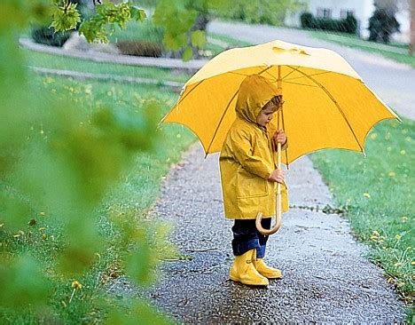 raincoat with umbrella the gallery for gt child with umbrella in