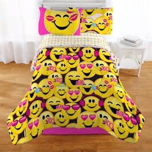 Twin Bed Comforter Size Emojination Happy Happy Reversible Comforter Twin