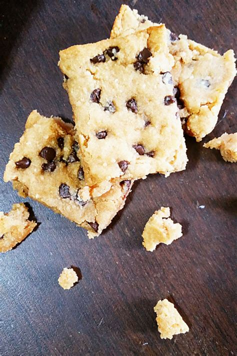 peanut butter bars with chocolate chips melted on top gluten free peanut butter chocolate chip bars