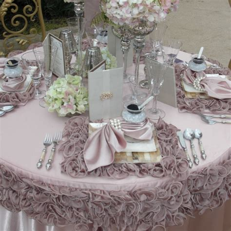 ruffled placemats and table cloth wedding linen