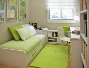 Room Decor Ideas For Small Rooms Home Interior Designs Small Master Bedroom Decorating Ideas