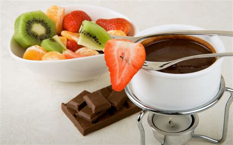 chocolate with fruit wallpapers and images