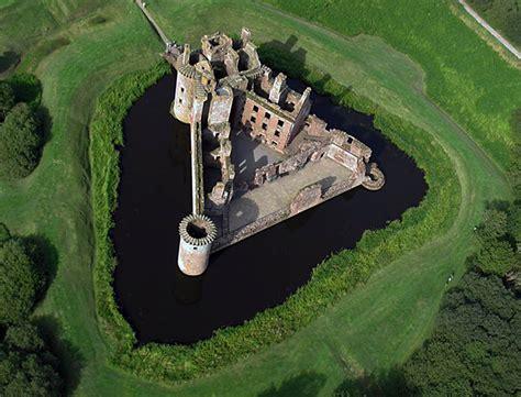 Triangle Floor Plan by Caerlaverock Castle Wikipedia