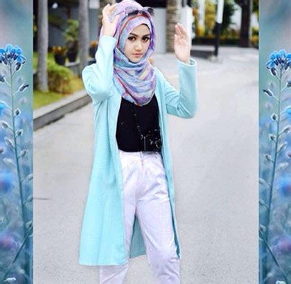 Pertiwi Blouse style gaya streetstyle foto model berhijab lany