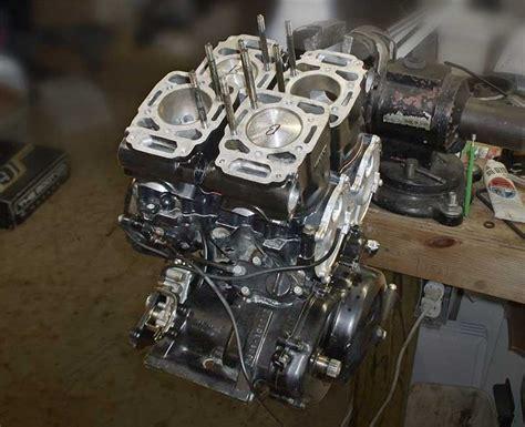 Suzuki Rg500 Gamma 旧車 2ストハイパワーエンジンを搭載したgpレーサーレプリカrg500ガンマ Rg400ガンマ バイク情報