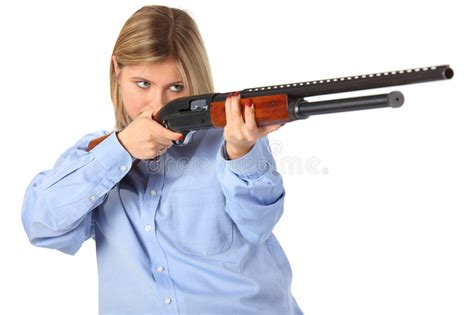 jachtgeweer vergunning jonge vrouw met jachtgeweer stock foto afbeelding