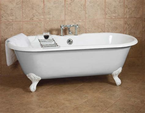 old fashioned dual bathtub for those cozy baths together