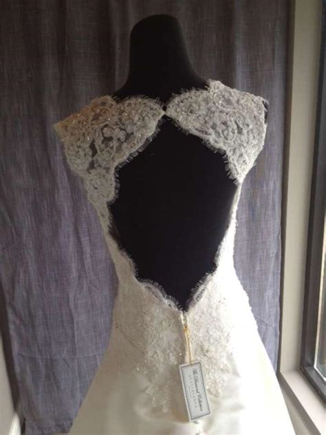 Dress A011 casablanca ivory a011 traditional wedding dress size 12 l