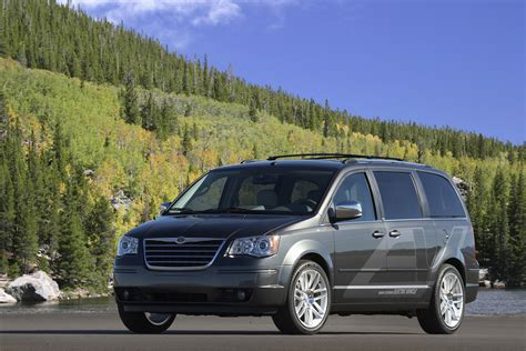 chrysler town country ev picture