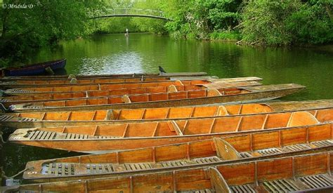 punt boat oxford punting at the cherwell river oxford uk travel tales
