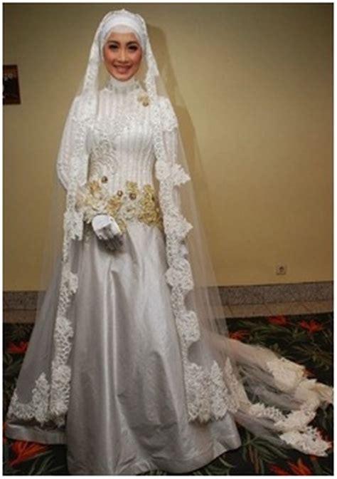 Kebaya Pengantin Modern Muslimah 29 inspirasi busana pengantin berhijab modern ini meskipun