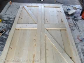 how to build barn door pics photos how to build barn doors
