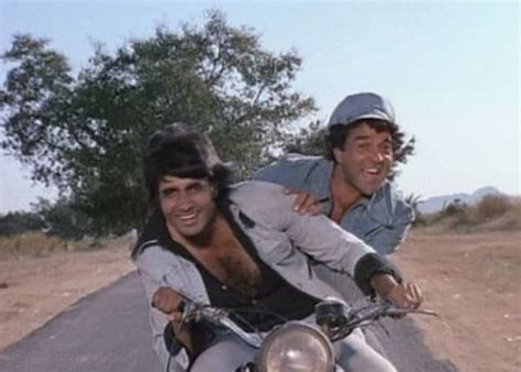 film star dharmendra ki jivani dharmendra s thank you call leaves amitabh bachchan