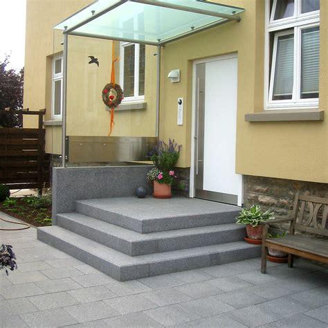hauseingang gestalten granit treppe bad k 252 che aus naturstein granit und marmor